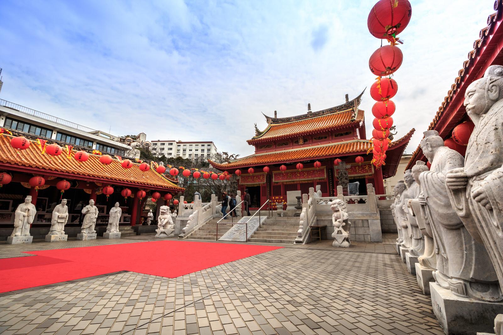 長崎ランタンフェスティバル2019年の皇帝パレードの皇帝と皇后とルート