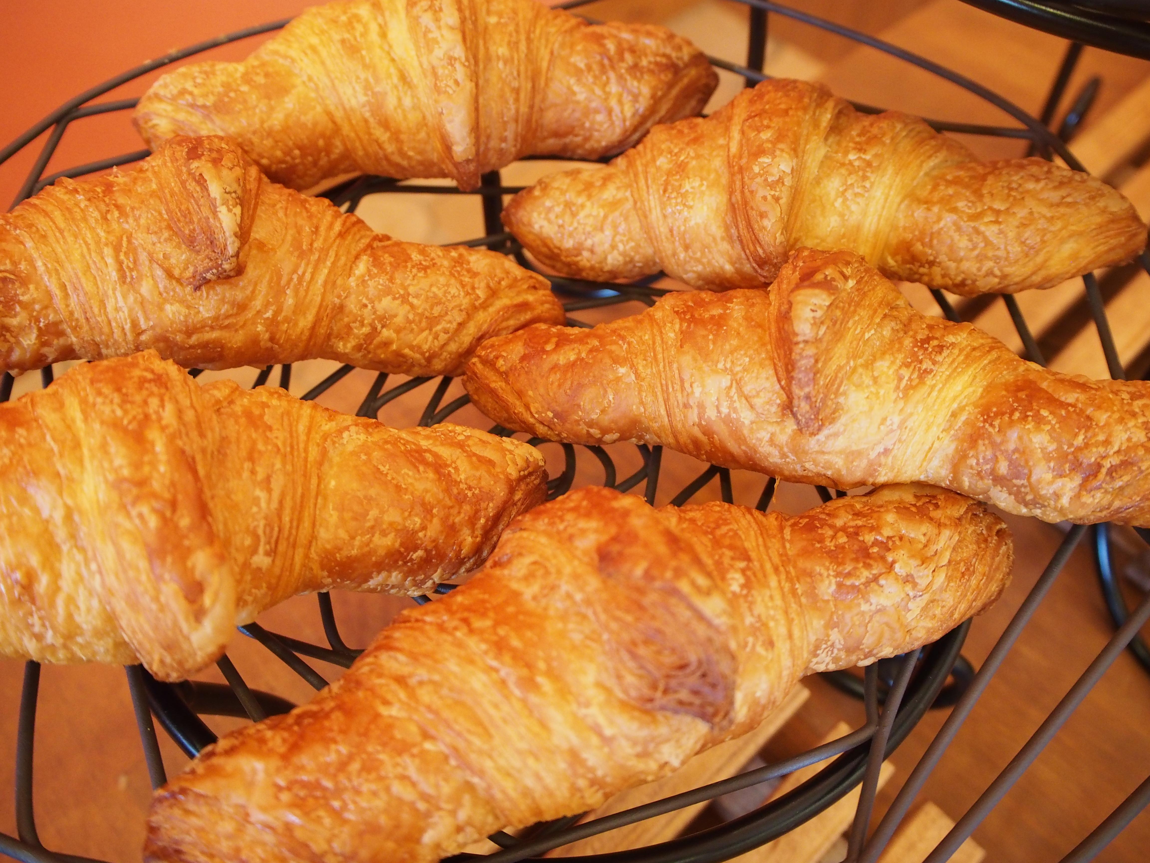 焼きたての手作りパンを食べられる「FRESH BAKERY A DAY st.p3」が1周年プレゼント実施中♪