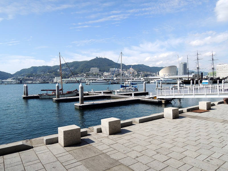 テラスで海を眺めてディナー!長崎出島ワーフの楽しみ方と見所を発見!